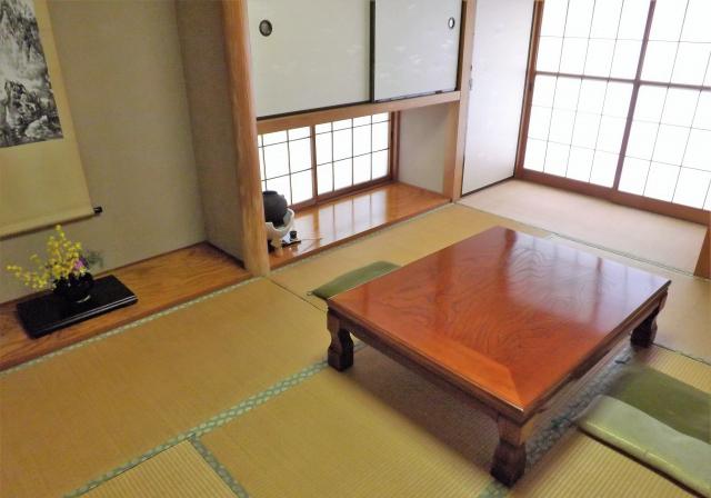 和室と座布団のお作